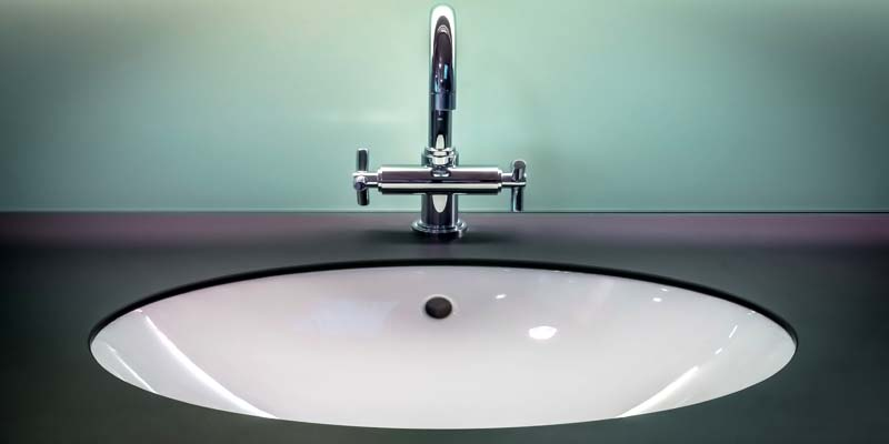 modern kitchen faucets image
